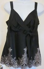 Ann Taylor LOFT Beautiful Black w/Tan Scalloped Border Top~Sz.6~GC