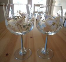 Set of Two Extra Large Gold Glitter Holly With Green / Gold Leaves Wine Glasses