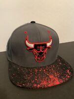 Chicago Bulls NBA Basketball SPLATTER Mitchell & Ness SnapBack Cap EUC Hat