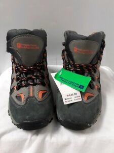 Children's mountain warehouse walking boots size 2