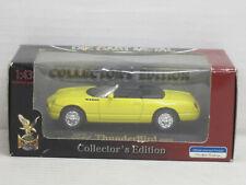 Ford Thunderbird Cabrio (2000) in gelb, OVP, Road Signature, 1:43