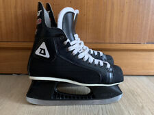 vintage Daoust Legend 301 hockey skates - size 7 - made in Canada