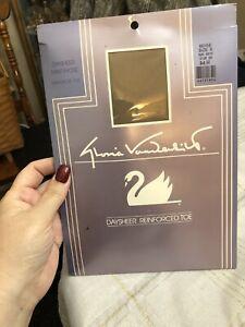 Gloria Vanderbilt Vintage Nylons - Daysheer Rein Toe - Beige Size E -Plus