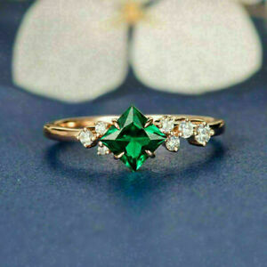 2Ct Princess Cut Green Emerald Solitaire Engagement Ring In 14K Rose Gold Finish