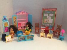 Barbie Kelly Doll Daycare Dollhouse Furniture Play Set Learning Center Chair Lot
