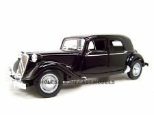 1952 CITROEN 15CV 6CYL BLACK 1/18 DIECAST MODEL CAR BY MAISTO 31821