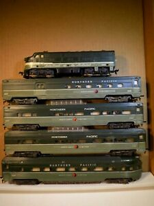 American Flyer HO Scale Northern Pacific (Sears Item) Untested (4 cars) RARE
