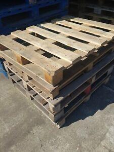 Wooden/plastic pallets Heavy duty - Used