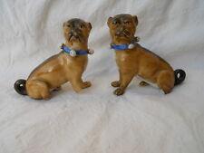 Paire de chiens carlin en porcelaine Anglaise ou Allemande époque XIXeme