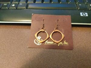 Premier Designs copper color geometric shapes dangle earrings only, pretty color