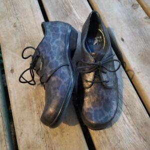 Dansko Olive Metallic Animal Print Laced Oxford Fashion Sneaker 39