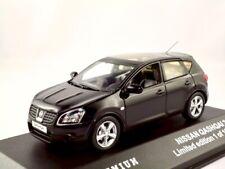 Nissan Qashqai    2007-2010  schwarz    /  Triple 9 Premium   1:43