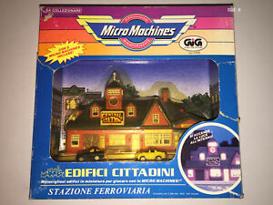 MICRO MACHINES   TRAIN STATION CENTRAL with Car CITY SCENES   GALOOB GIG '89 MIB