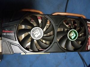 RADEON 6950 2GB GRAPHICS CARD IN GOOD WORKING CONDITION MINING DDR5 DUABICOIN !!