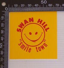 VINTAGE SWAN HILL SMILE TOWN VICTORIA AUSTRALIA SOUVENIR LUGGAGE CAR STICKER