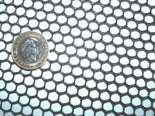 Noir 1 m x250mm Semi-Rigide Hdpe 7 mm plastique grille poisson Gouttière Garde Filtre
