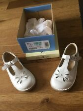 startrite girls shoes size 7.5F. tea party white patent.