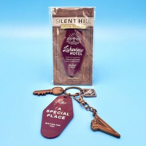 Silent Hill 2 Lakeview Hotel 4-Piece Keychain Set Room 312 + Pyramid Head Charm