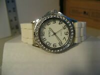 XOXO WOMAN'S CRYSTAL ACCENTED QUARTZ WATCH/GREAT COND/KEEPS TIME/NEW BATT/NICE.