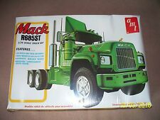 VINTAGE AMT Mack R685ST original USA-made 1970's kit - factory sealed
