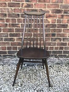 Ercol Windsor Goldsmith 369 Chair.