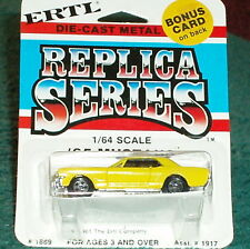 ERTL 1965 FORD MUSTANG COUPE YELLOW 1/64 1980s RELEASE RARE!! EXCELLENT CARD!!