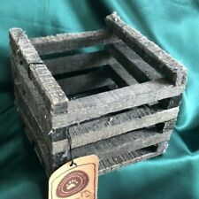 Boyds Collection - Ol' Fishn Egg Crate