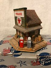 "Lilliput Lane Presents The Texaco Station ""Trust Your Car To The Star"" By Enesco"