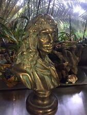 Houdon Jean-Antoine (d'aprés). Buste de Molière en plâtre patiné vert. Ht 42 cm.