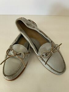 Womens FRYE leather slip on boat shoes size 8.5