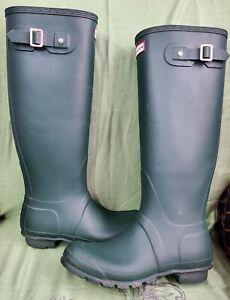 Hunter Women's Original Tall Rain Boots Green Rubber Size 7US , 39 EU.