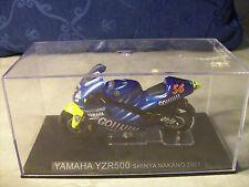 MOTO YAMAHA YZR500 SHINYA NAKANO 2001 DIE CAST 1:24 ( A6 )