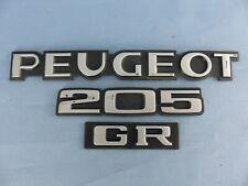 PEUGEOT 205 GR emblème logo sigle insigne monogramme hayon coffre en plastique