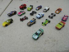 MICROMACHINES gros lot de 17 micro machines ancetres voitures de courses  ect ..