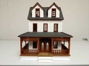 Southern Country Cottage 1:48 Scale Dollhouse Kit