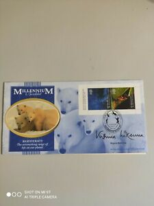 2000 GB - Life & Earth - Retail Booklet pane - signed Virginia McKenna