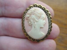 (CS34-2) SHY GIRL hair up pink + off- white oval CAMEO brass Pin Jewelry brooch