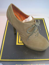 BRAND NEW POUR LA VICTOIRE ANIKA GREEN SUEDE ANKLE BOOTS- SZ 7.5M - MSRP $300.00