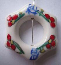 En porcelaine blanche 40mm hexagone Donut Pendentif Perles Symbole chinois rouge
