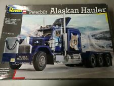 1/25 SCALE REVELL PETERBILT  ALASKAN HAULER  MODEL TRUCK KIT