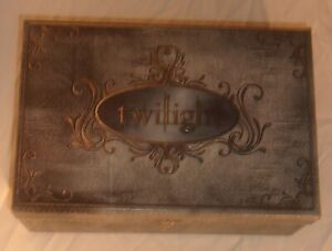 TWILIGHT ULTIMATE GIFT SET OPENED BUT NEVER USED FUN COLLECTIBLES