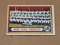 1957 Topps New York Yankees Team #97 NM+ Sharp Corners Mickey Mantle Yogi Berra
