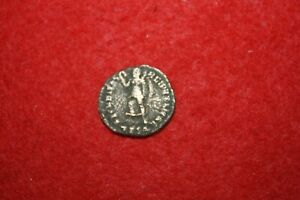 Ancient Roman Coin unresearched unattributed Imperial nice details #217
