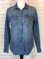 Gap Womens Size Small Blue Long Sleeve Pearl Snap Medium Wash Denim Shirt