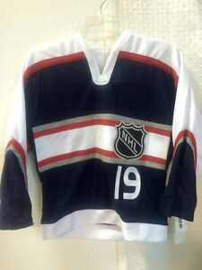 Reebok Youth NHL Jersey Detroit Redwings Steve Yzerman Navy CCM sz L/XL