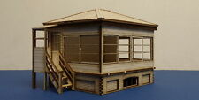 LSWR/SR OO gauge platform mounted small signal box  - SR 55c