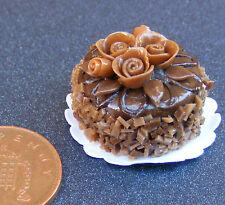 1:12 scala torta con glassa cioccolato DOLLS HOUSE miniatura Accessorio Negozio nc90