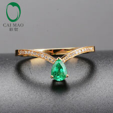 Charming 18K Yellow Gold 0.62ct Emerald Round Cut Diamond Engagement Ladies Ring