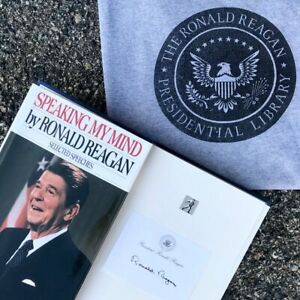 '89 Ronald Reagan Autographed Book Speaking My Mind + Reagan Library T-Shirt