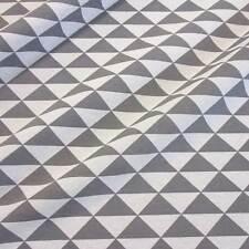 Stoff Meterware pflegeleicht grau weiß Dreieck Baumwolle Grafik retro Dekostoff